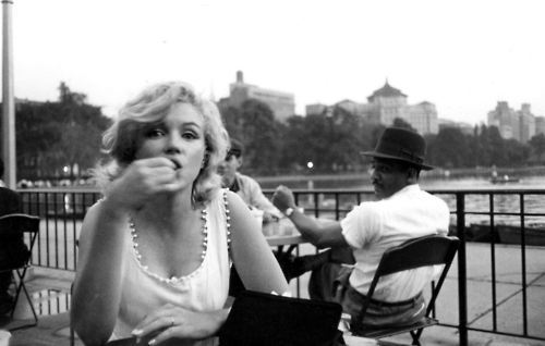 thebeautyofmarilyn:  Marilyn photographed by Sam Shaw, 1957.