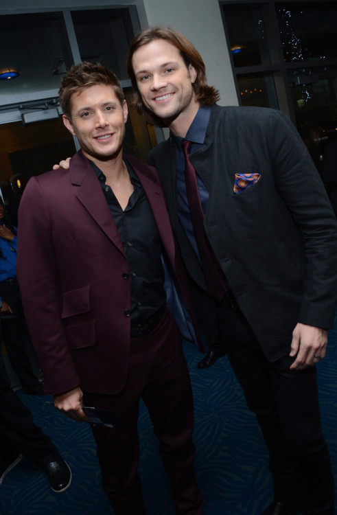 all-spn:  Finally! the Js together! backstage