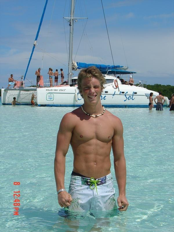 damb, this college boy is so fucking hot - with those abs, chest and adorable smile, i'd set sail with him anywhere!