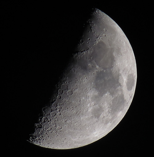spaceexp:  Waxing Crescent, 51% of the Moon is Illuminated taken on August 03,