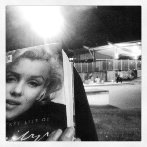 Hanging with Marilyn at the skate park. #marilyn #monroe #pinup #bombshell #afterhoursskateshoot