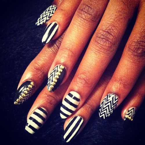 Black and white nails for @tikasumpter #nail #nailart