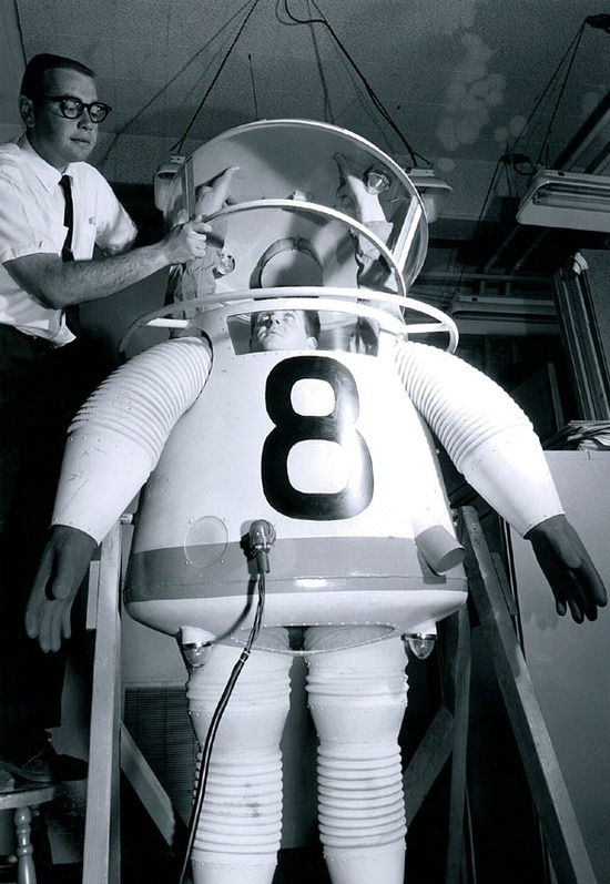 ucresearch:  In 1958, still a decade before the moon landing, Engineering made UCLA the first university with an astronautics program. This prototype of a space suit was designed in 1961.