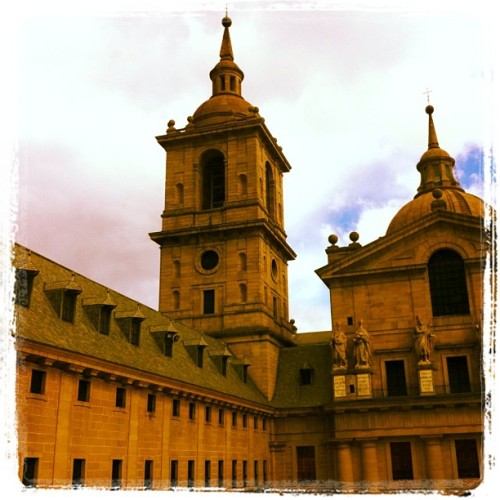 #madrid #churches #castles (at Basilica Real Monasterio San Loremzo del Escorial)