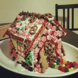 mission complete :: our gingerbread house looks like a reindeer vomited all over it #spiritoftheseason #happyholidays #bakingparty