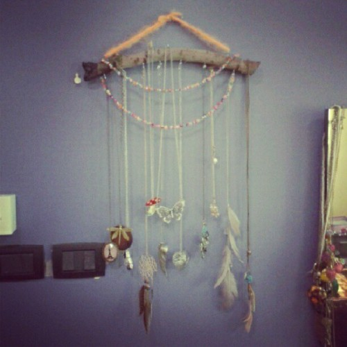 My craft ideas #handcraft #handmade #idea #accessories #diy #accessories_hang #creative #necklaces #lovely #wood #nature #using_nature #recycling #reusing #myroom #mystyle #My_photography #myfashion #mylife #mythings #myroom #purple #purple_wall #hang