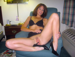 Mature cougar pussy.   Visit the best in Amateur Hotties Being Naughty HERE! To post your favorite Amateur Hotties SUBMIT HERE!