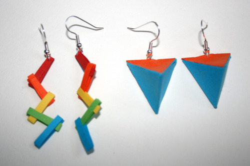 hanaandhasmita:  HANA + HASMITA  Paper Earrings with silver hooks.  Set of two. Origami folding techniques are used to make these brightly coloured light-weight designs. 1. approx. 6cm long. 2. 2.5cm. All inquiries at : hanaandhasmita@hotmail.com http://hanaandhasmita.tumblr.com Twitter: @HanaMunirah