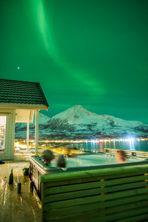 Flew 9000 miles from Australia to see the Northern Lights. From a hot tub. - Imgur