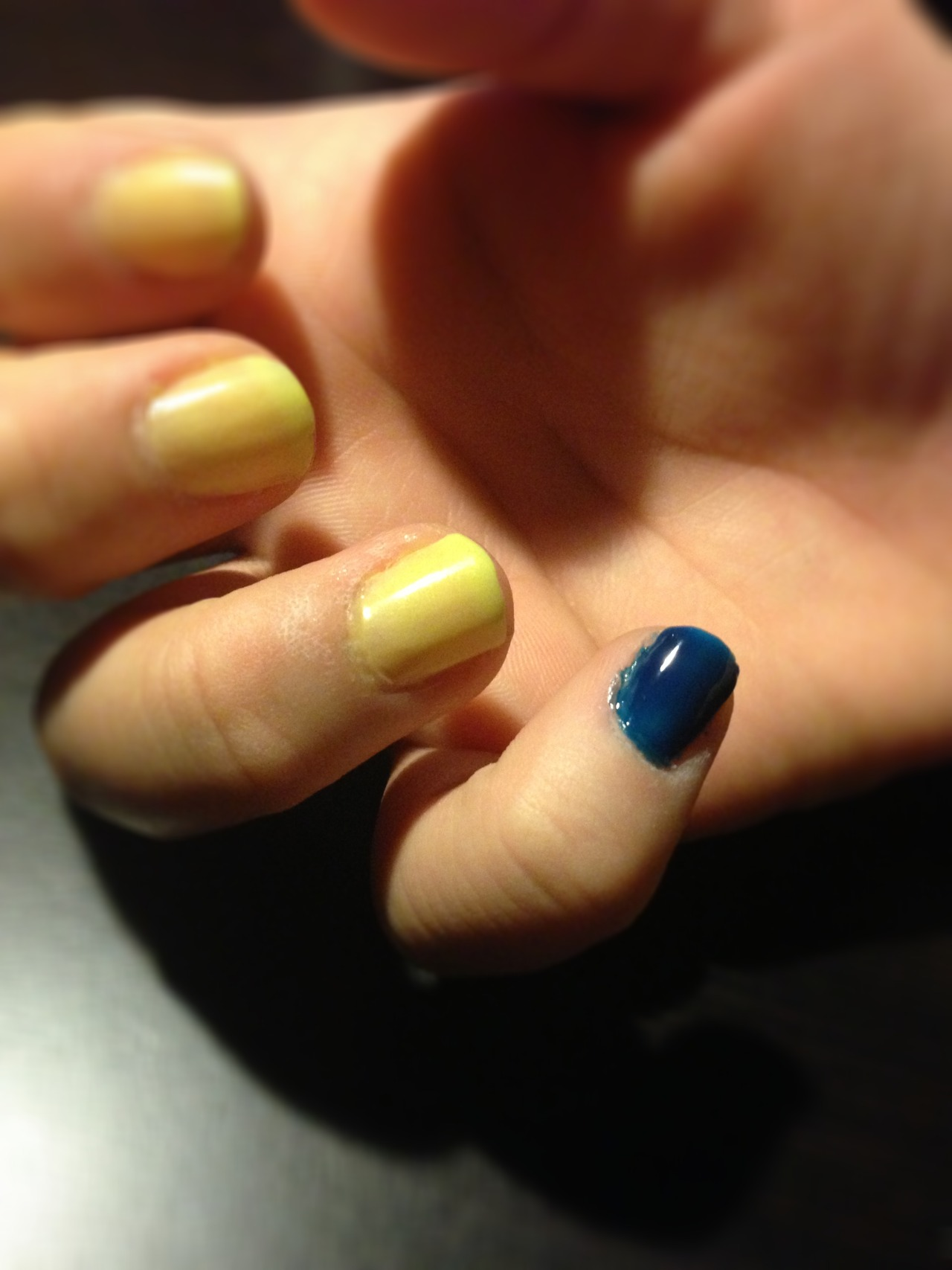 meanstinksblog:  Being mean stinks. Blue Pinky Challenge < Keep your #BluePinkyChallenge submissions coming. And make sure to watch our HOW A DIFFERENCE IS MADE web series to see how Shauna and Morgan, two high school girls, were able to get their community to support their own challenge: http://on.mtv.com/YW6Um7