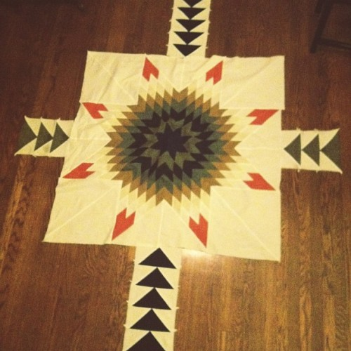 …in progress #quilt #lonestar #flyinggeese #star #triangle #quilting #creativesideprojects