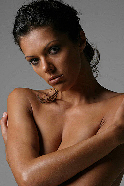 Adrianne Curry | Cycle 1