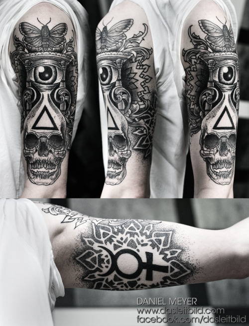 fuckyeahtattoos:  Hourglass by Daniel Meyer via LEITBILD