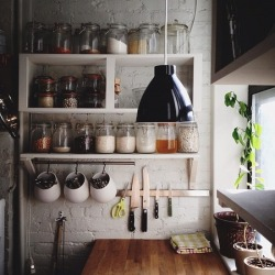 myidealhome:   kitchen jars (via Pinterest)