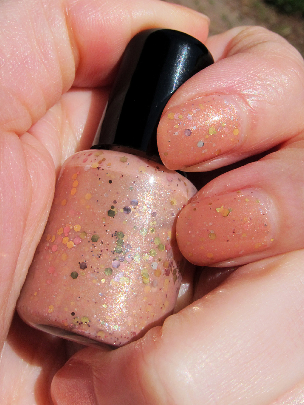 "aida's closet: manicure - ""Peach On A Beach"""
