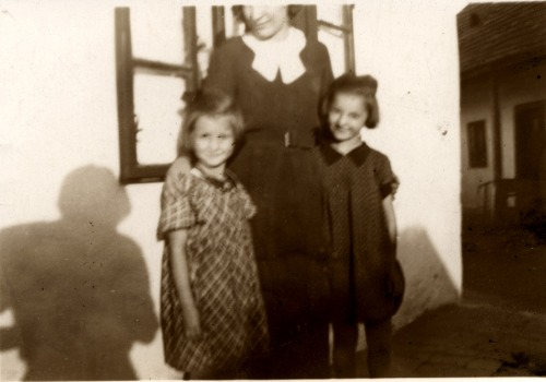 (by ggaabboo) siblings: Magdi and Ica (my mother) - Vác 1934