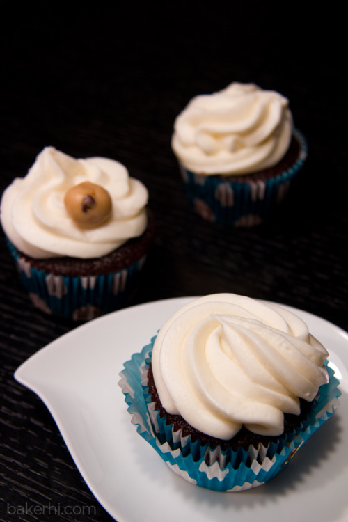 Happy Hour has started! Treat yourself to a cupcake ;)