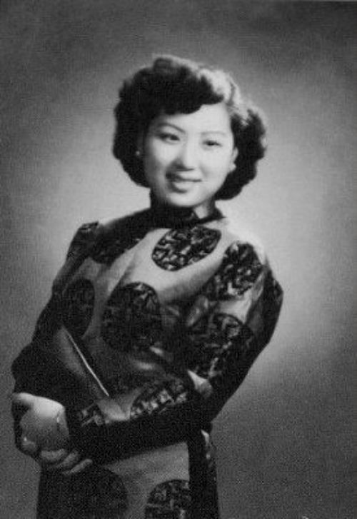 "Yingyin Wu, one of the ""Seven Great Singing Stars"" of China."