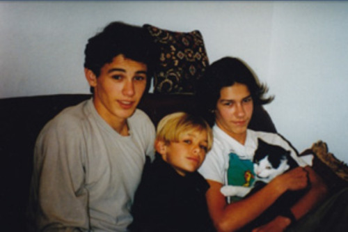 enteringhell:   summvr:  macaronis:  Franco brothers  holy fuck james franco omfg  Help