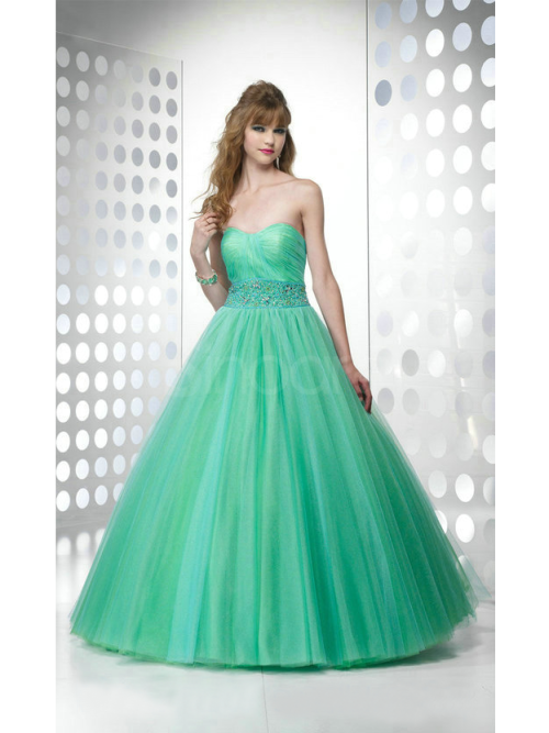 rona87:  Lovely Prom gown,US$ 167.99 Order here:http://www.sinoant.com/goods/beautiful_sweetheart_floor_length_ball_gown_prom_dress_1211000008.html