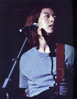 [Scan] Lee Jung Shin RE:BLUE LEThis scan doesn't do justice to the 2-page spread of this one fine man.And why watermark such a beauty? <333