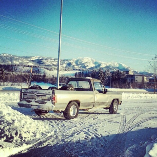 180 drift parking? #truck #dodge #sick #yukon #snow