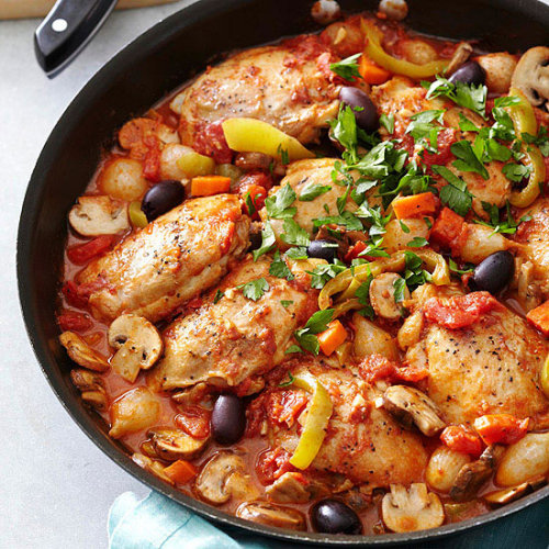 Chicken Cacciatore: This low-cal chicken dish gets garden-fresh flavor from mushrooms, sweet peppers, and parsley.