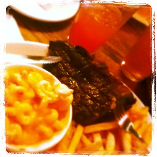 My #food at #texassteakhouse Mmmmmmm! #15oz #ribeye  #macncheese #fries #delicious #pinklemonade #pink #lemonade #steak #good #texas #steakhouse