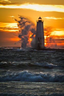 wonderous-world:  Lighthouse, Waves, and Sunset Frankfort, Michigan  by ETCphoto