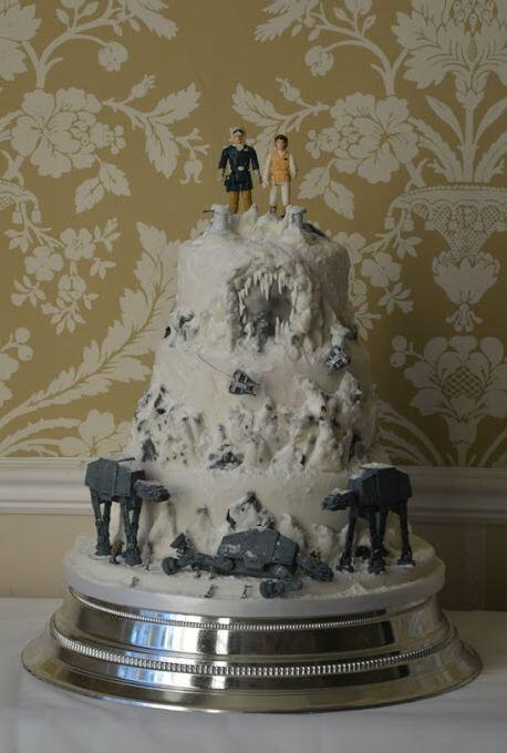 allterrainarmoredtransport:  Battle of Hoth wedding cake.