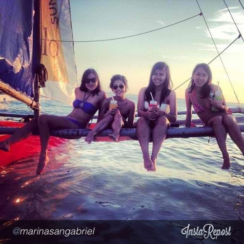 Sunset sailing with last years roomies!!! #repost from @marinasangabriel