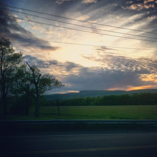 I'm in love #newpaltz #ny #newyork #hudsonvalley #mohank #mountain #sunset