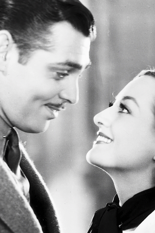 msmildred:  Joan Crawford and Clark Gable in Chained, 1934.