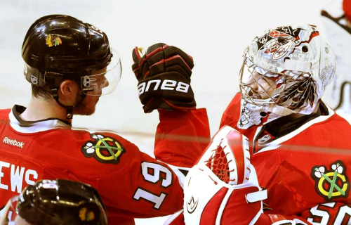 Goalie love [1/?] - Jonathan Toews and Corey Crawford