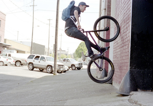 devin tolman at 90 degrees (by Brenton Salo)