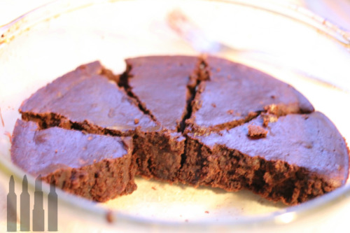 INCASE YOU WANTED A PHOTO Ingredients Sugar Free Brownie Mix - this was from Target 1 Can of Black Beans, 15.5 oz size, rinsed, and filled with water.  Preheat your oven to whatever your box says. Spray your pan with nonstick spray.  Rinse your beans and put them back in the can, then fill the can with water with the beans in them. Puree those li'l bitches. Mix in the boxed mix. Bake for how ever long the box says! DONE, YO. Very fudgey, cosmic brownie consistency, like the ones in your lunch box! I hope you enjoy!