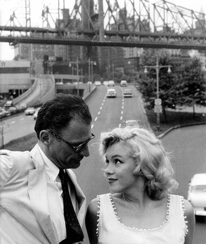 vintagechampagnefever:  Arthur Miller and Marilyn Monroe photographed in New York