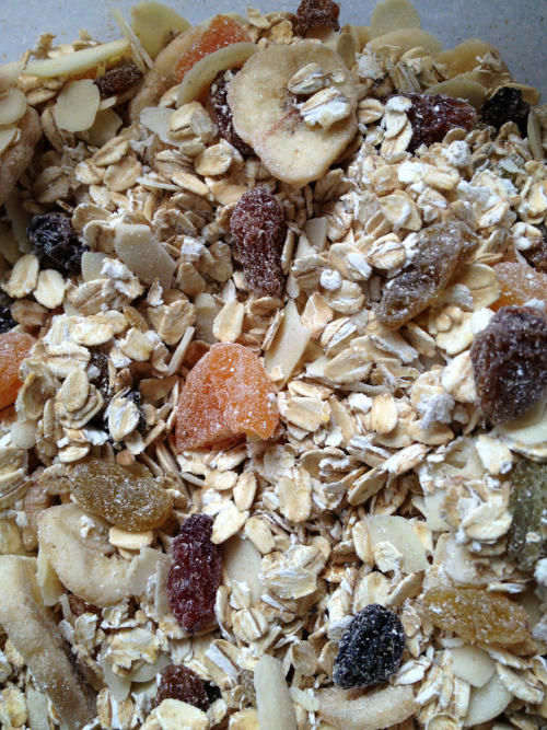 I decided to have a go at making my own muesli today.  I say 'making' more accurately I 'assembled' it: Porridge oats (200g); dried fruit(150g); nuts (50-100g) and mixed together. Keep in airtight tub for few weeks.  I don't like milk so plan to soak in a little orange/apple juice for 10mins or so before eating & I might put a little honey over if I think it needs it & some yoghurt.