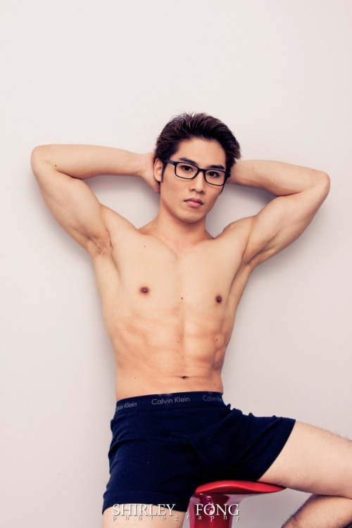 iloveasianmen:   Want more hot asian guys? →