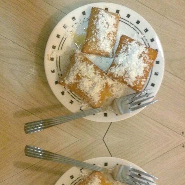 Homemade beignets! It's like bringing Disneyland home 😭😍❤