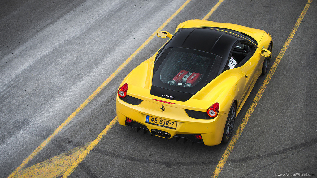 crash—test:  Ferrari 458 Italia (by ArnoudWilbrink.com)