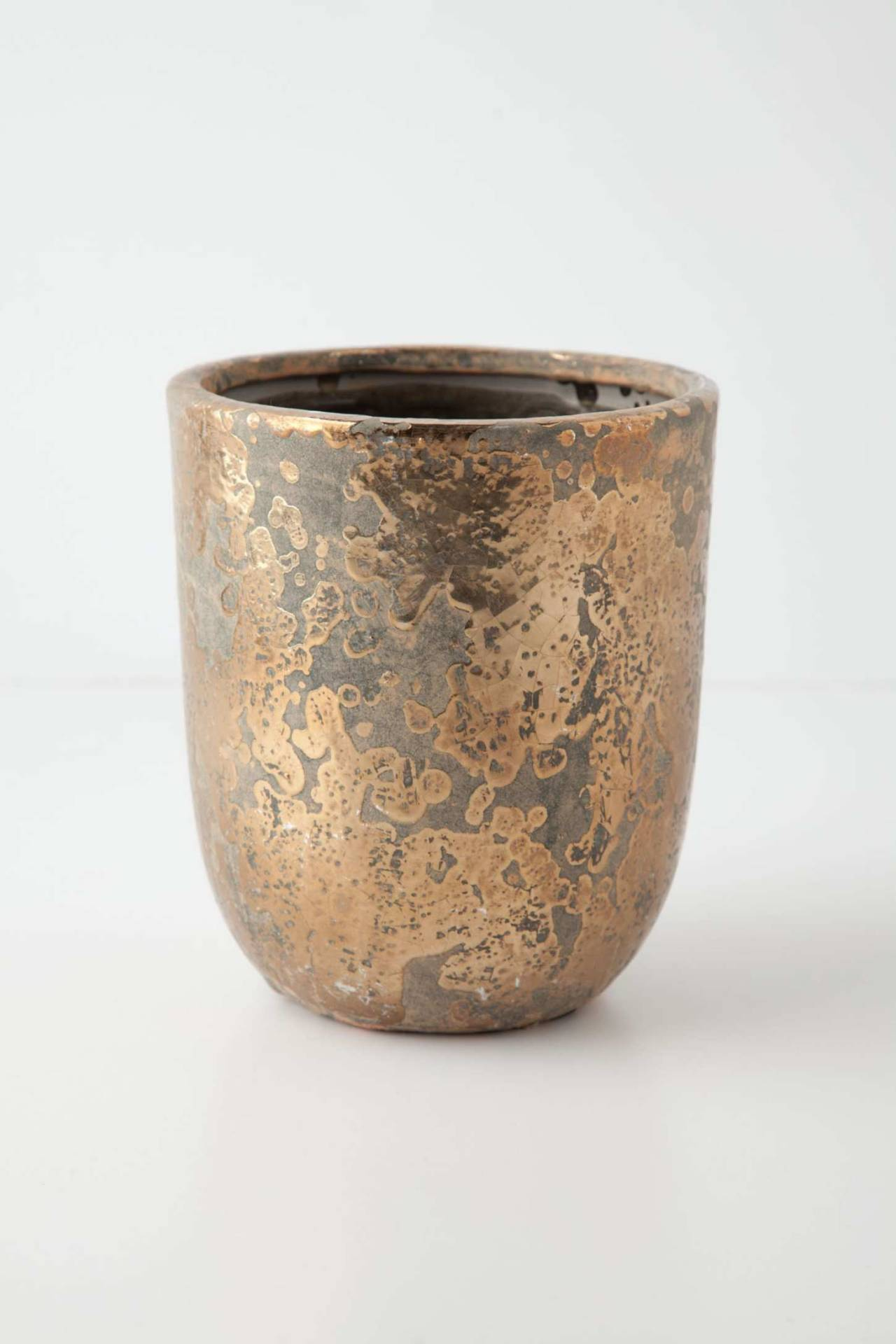(via Metallic Crackle Herb Pot | Anthropologie.eu)