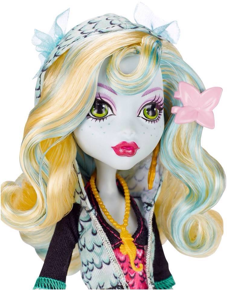 denvercalled: the-wolfbats: lucioworlds: Did someone posted this already? If not… Original ghouls collection pack! I'm glad that they changed Lagoona's blue lips. Souce: Stacy Fulton Leon So the only thing inaccurate about Lagoona is her jumpsuit and the detailing in her flower? Huh. guess i'll just be getting original release ghoulia I just really can't wait. Finally Cleo and Clawdeen T_T