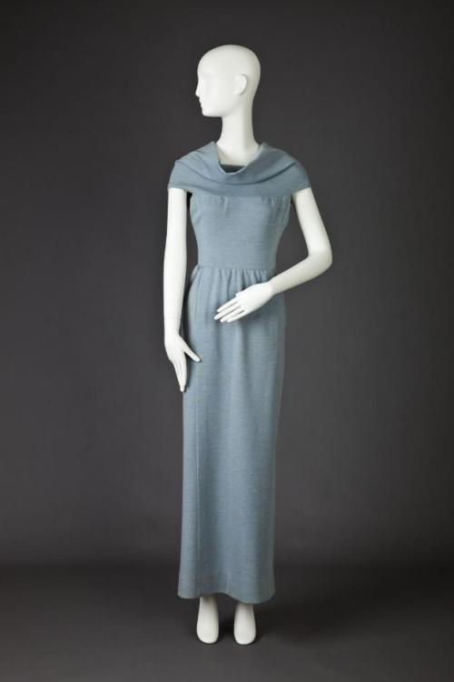 Dress Pauline Trigére, 1970-1974 The Goldstein Museum of Design