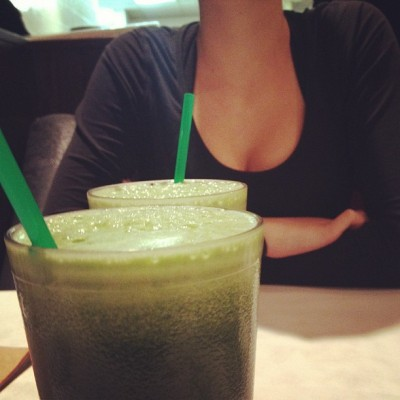 #Fresh #green #smoothies give you #boobies with @daynaboal bahahhahaha  (at Fresh on Bloor)