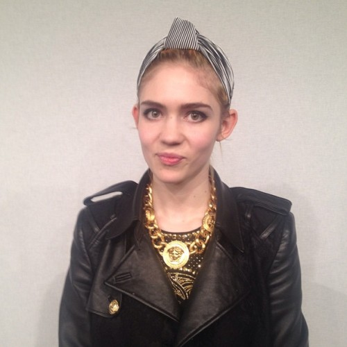 grimes-claireboucher:  Grimes  Photo by William Oliver   Pretty girl