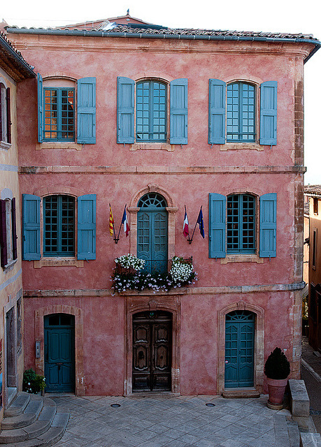 Roussillon, Vaucluse, France by Loïc BROHARD on Flickr.