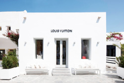 clu-b:  Louis Vuitton, China. (crazy right ? looks like it'd be in LA) My edit. x