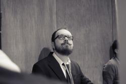 L'uomo con i baffi