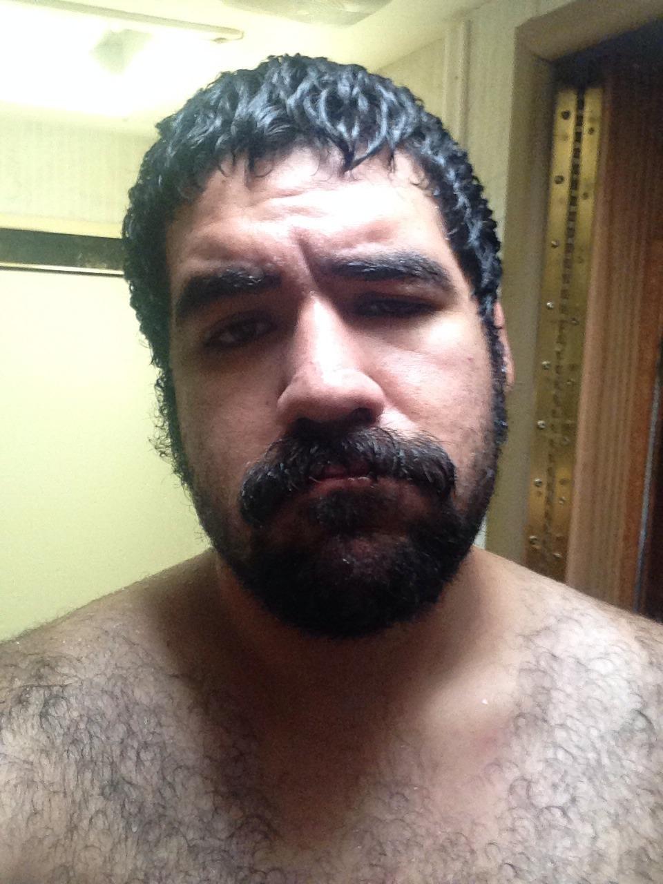 2018-06-04 05:23:00 - iwannabeyourgentleman guess who actually fuckin beardburnme http://www.neofic.com